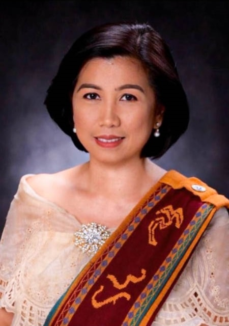 Dr. Catherine Roween C. Almaden graduated from UPLB in 2018